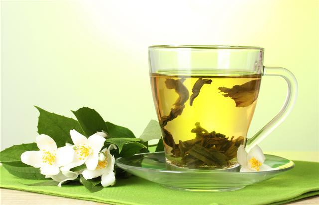 Citromfüves menta tea-shutterstock_116599795 (Small)